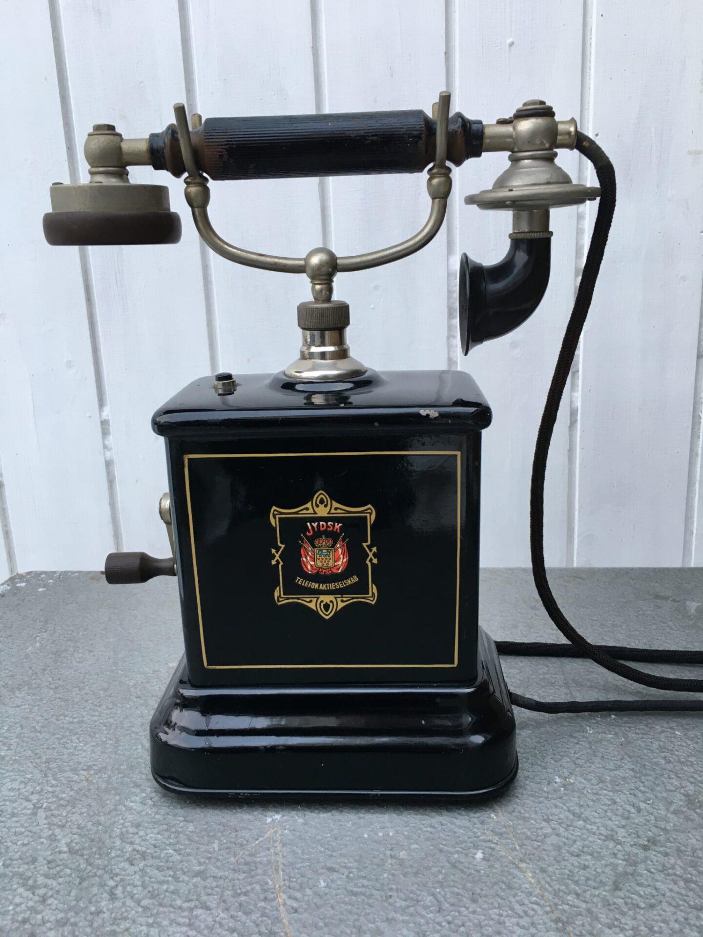Bordtelefon, Jydsk Telefonaktieselskab, ca 1930, pris 700 kr
