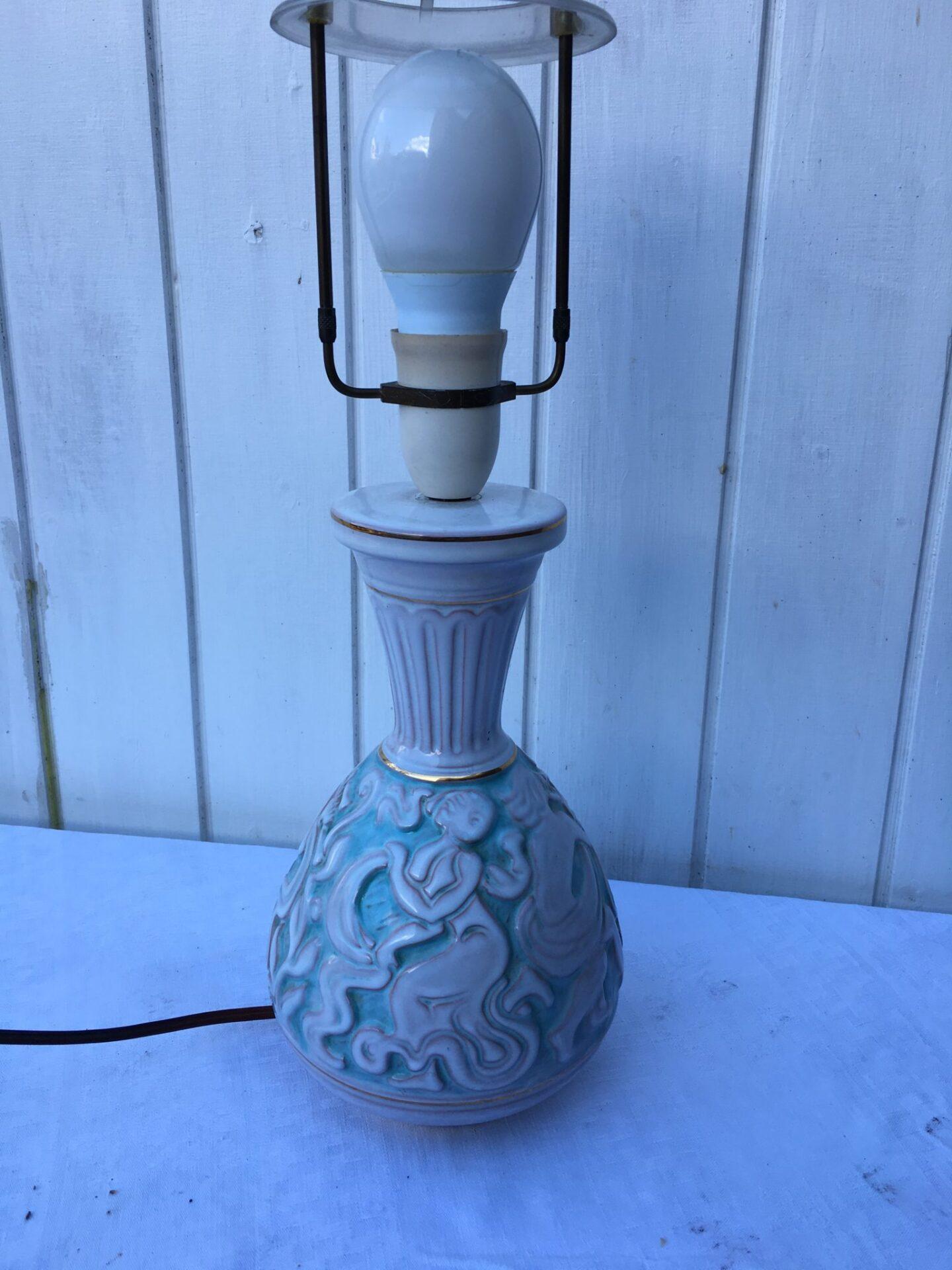 Keramik bordlampe, utydeligt stemplet, pris 600 kr