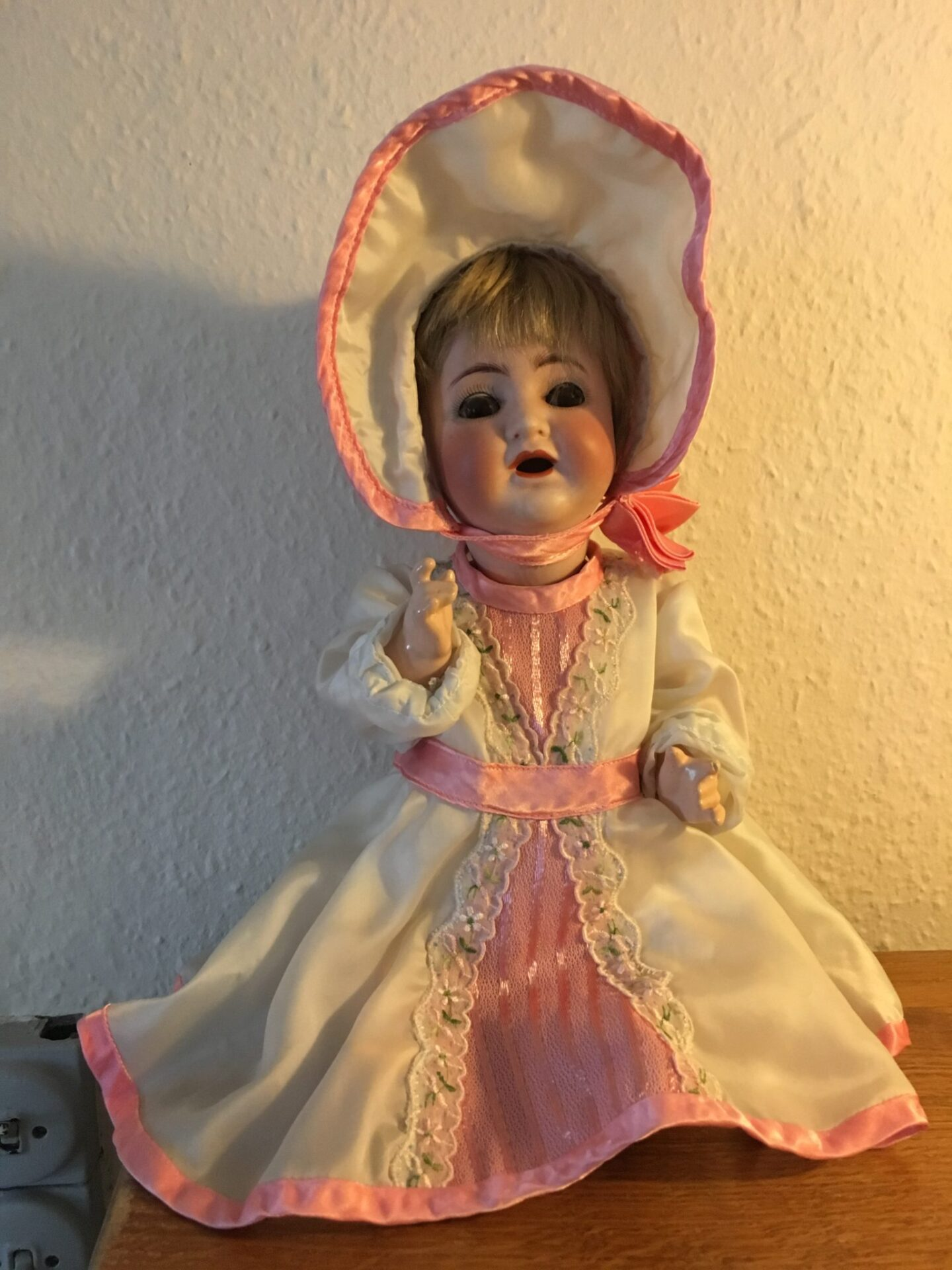 Antik tysk dukke, pris 500 kr