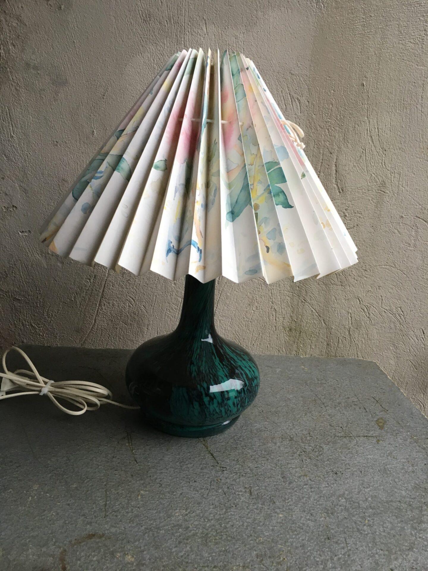 Bordlampe, glas, total høje=53 cm, pris 400 kr
