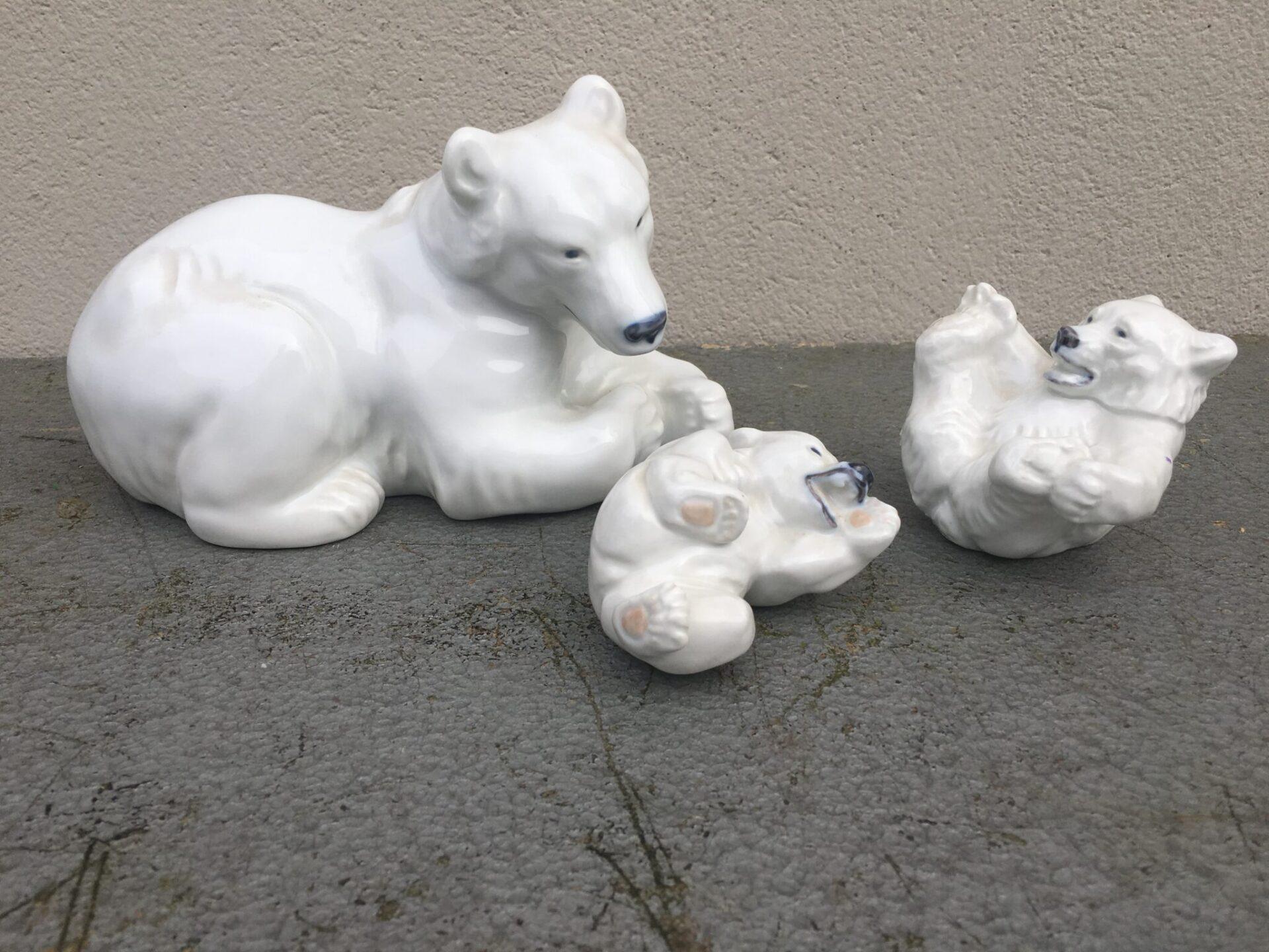 Kongelig porcelæn isbjørne, Mor + 2 unger i alt 1500 kr