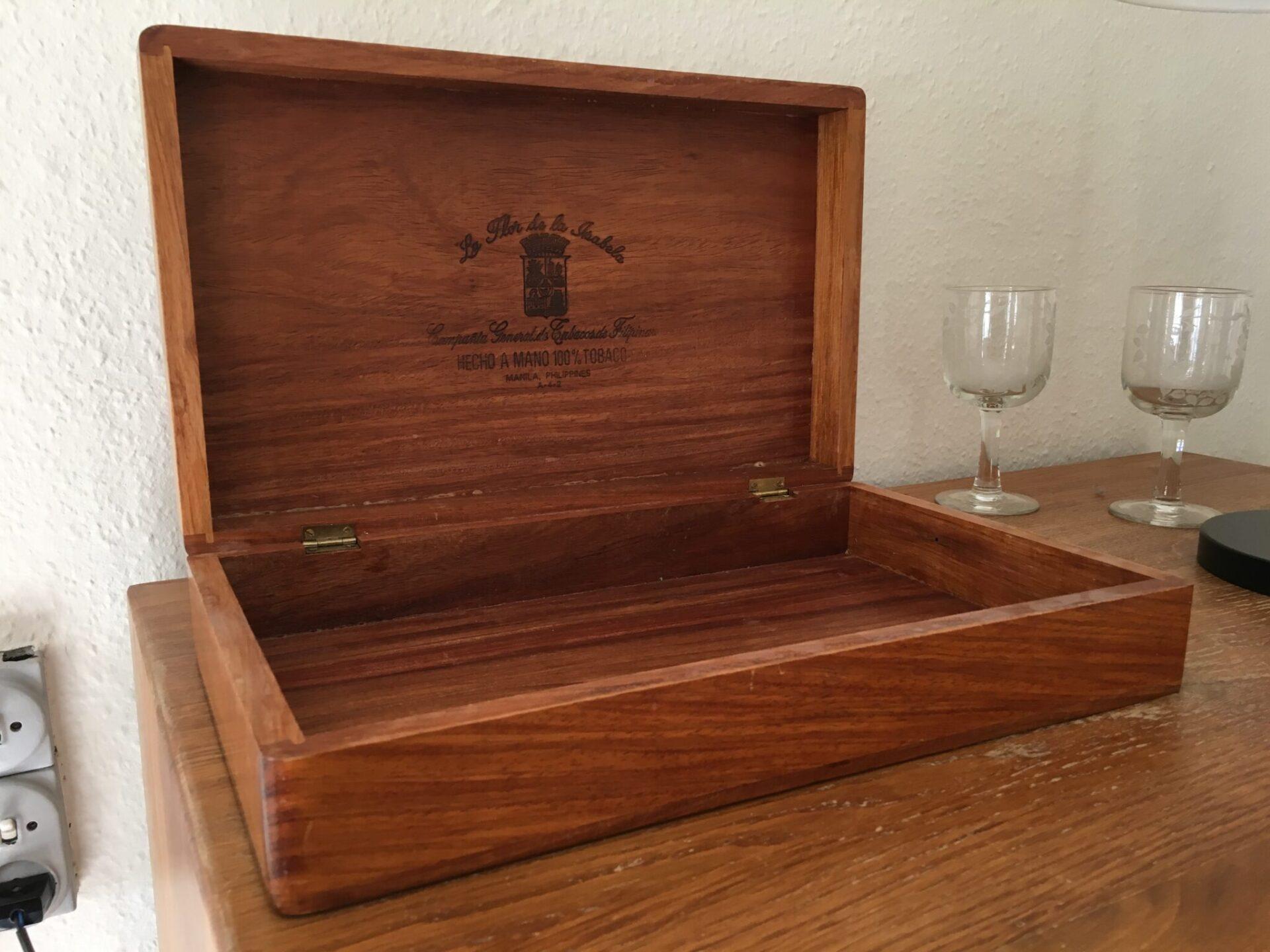 stor retro cigarkasse (39x24x10 cm) af mahogni