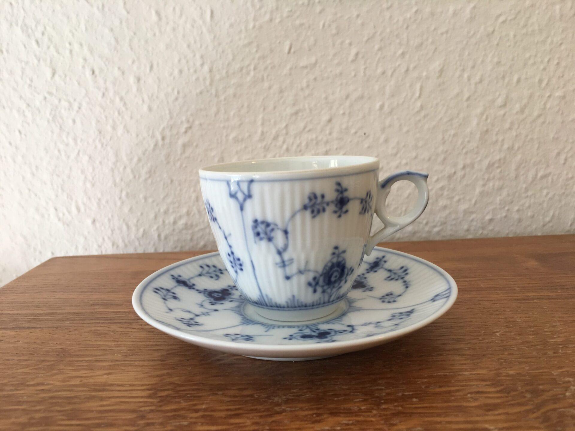 Musselmalet riflet, små kaffekopper nr. 1/80 pris pr. sæt 150 kr (6 sæt på lager)
