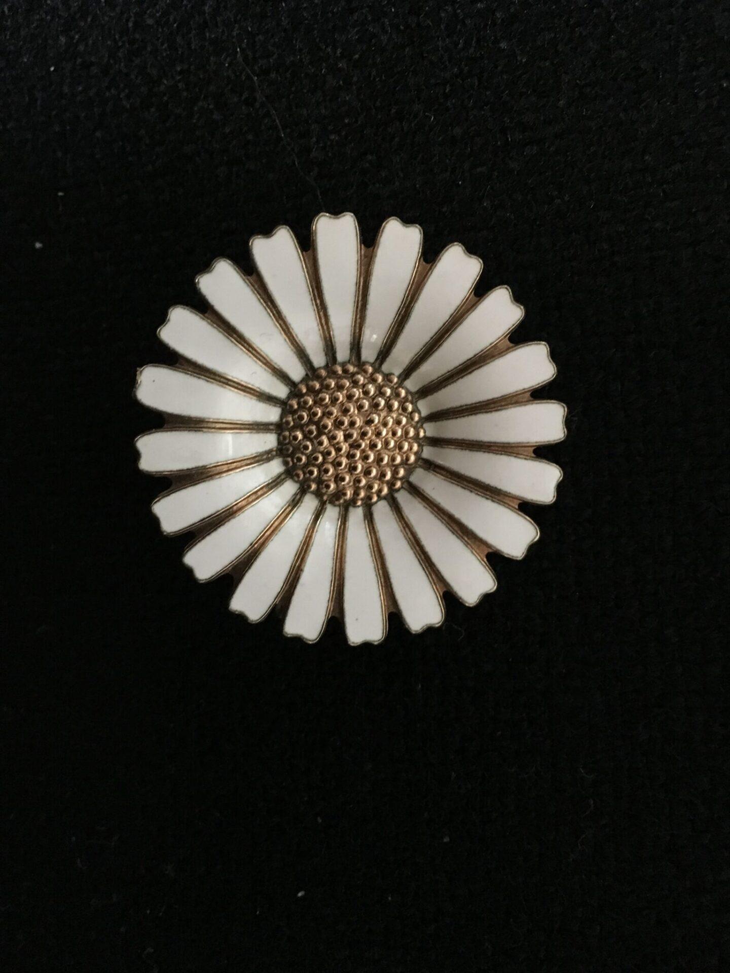 Marguerit, d= 3,5 cm, sterling sølv, fejlfri, ( Volmer Bahner), pris 600 kr