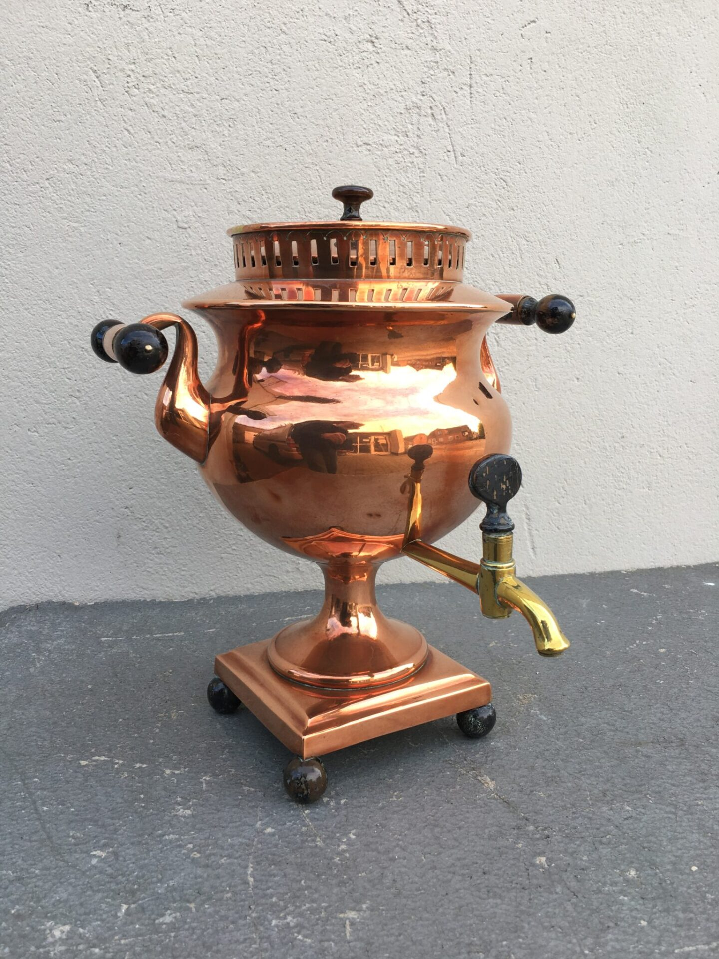 sjælden flotog velholdt samovar af kobber fra 1800-tallet, pris 400 kr