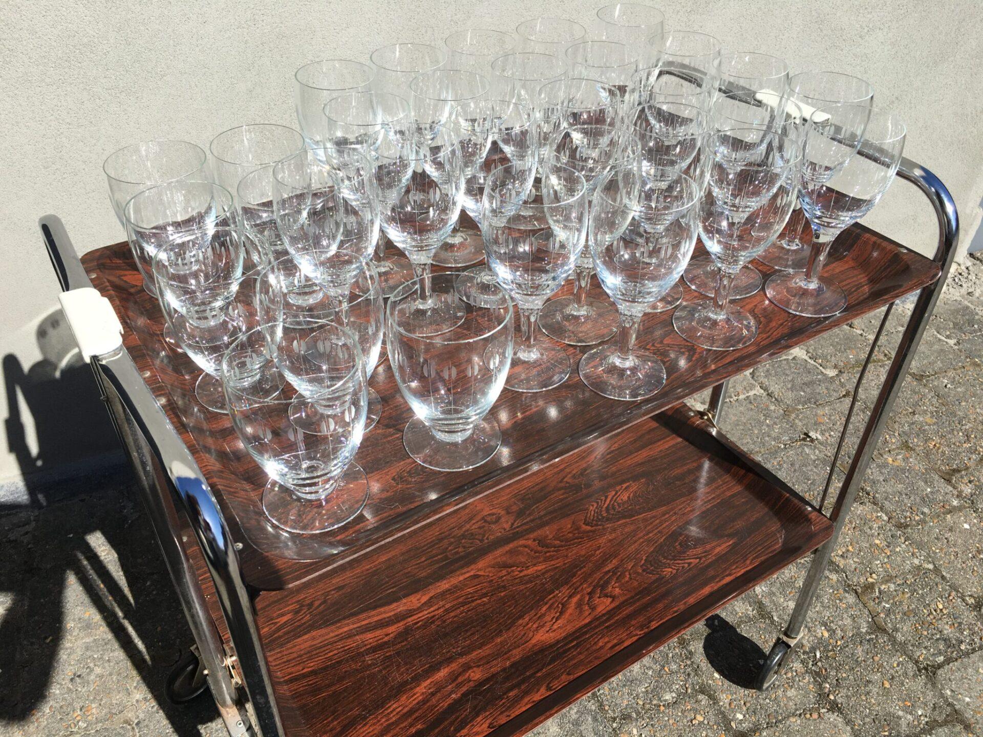 Kirsten Piil, Holmegaard, rødvinsglas pr. stk 50 kr, øl pr. stk 30 kr. Meget fin stand.