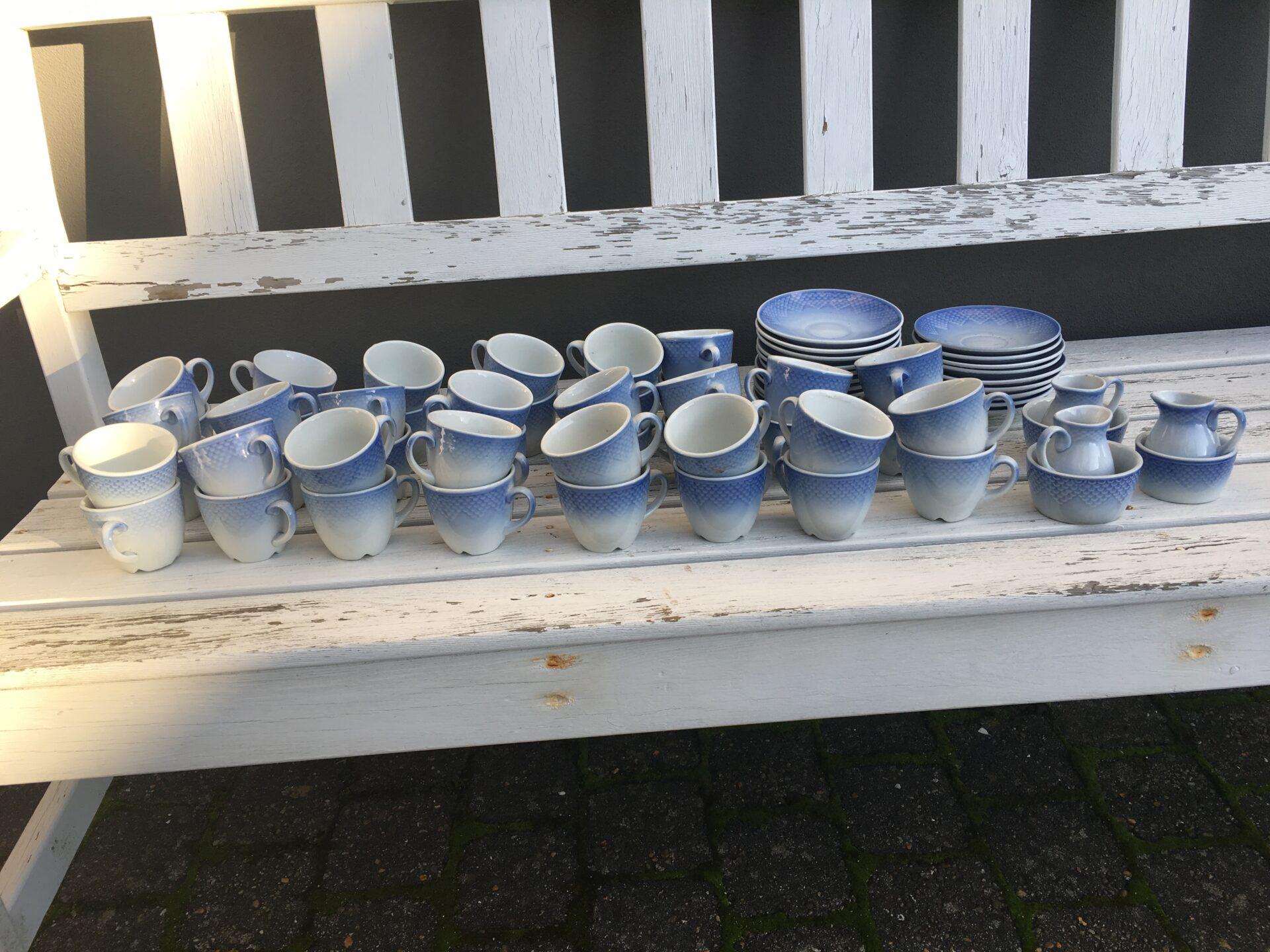 B&G Blå tone, kaffekop med underkop (nr. 744), pris pr. sæt 30 kr