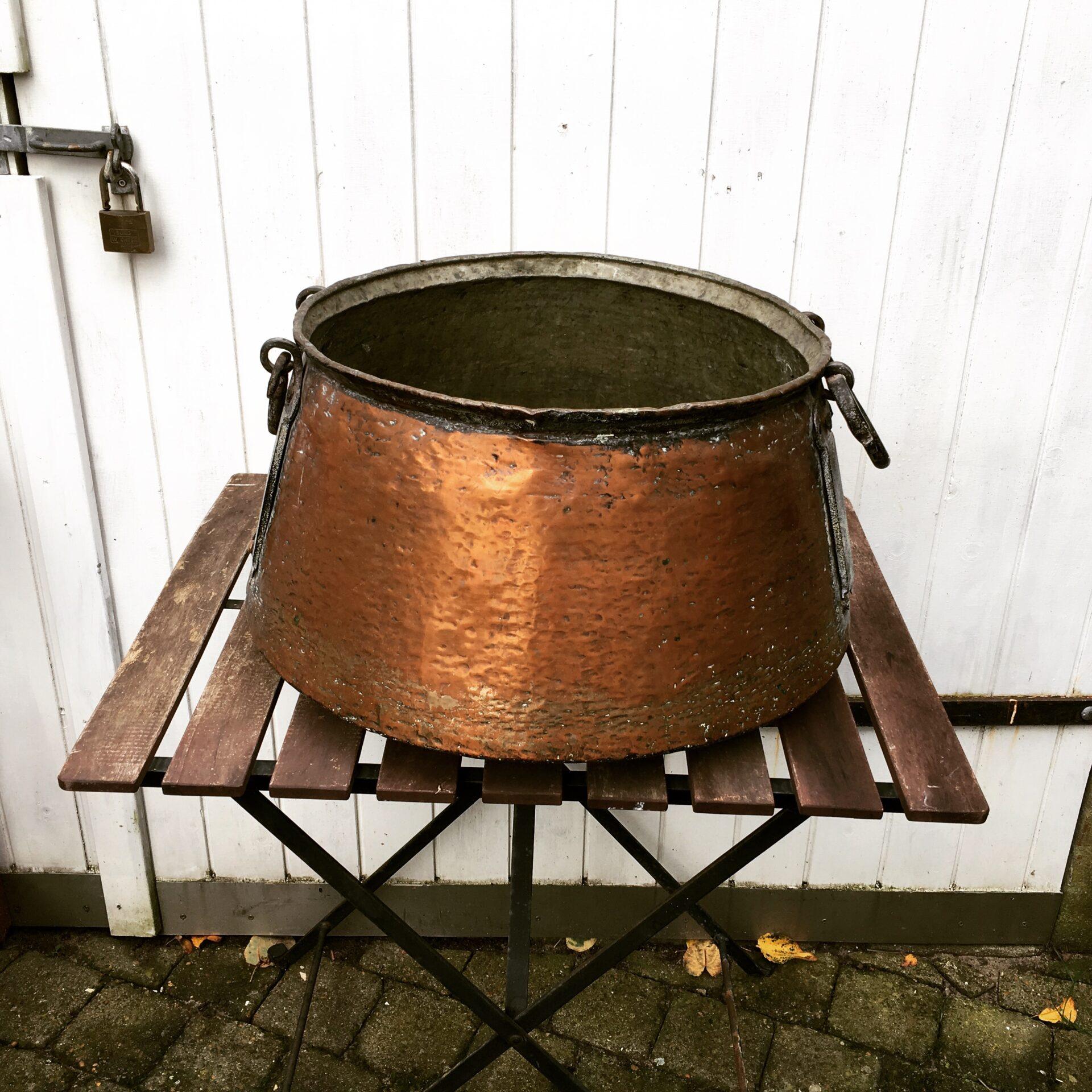 Kobberkedel til bænde, h= 30 cm, pris 400 kr