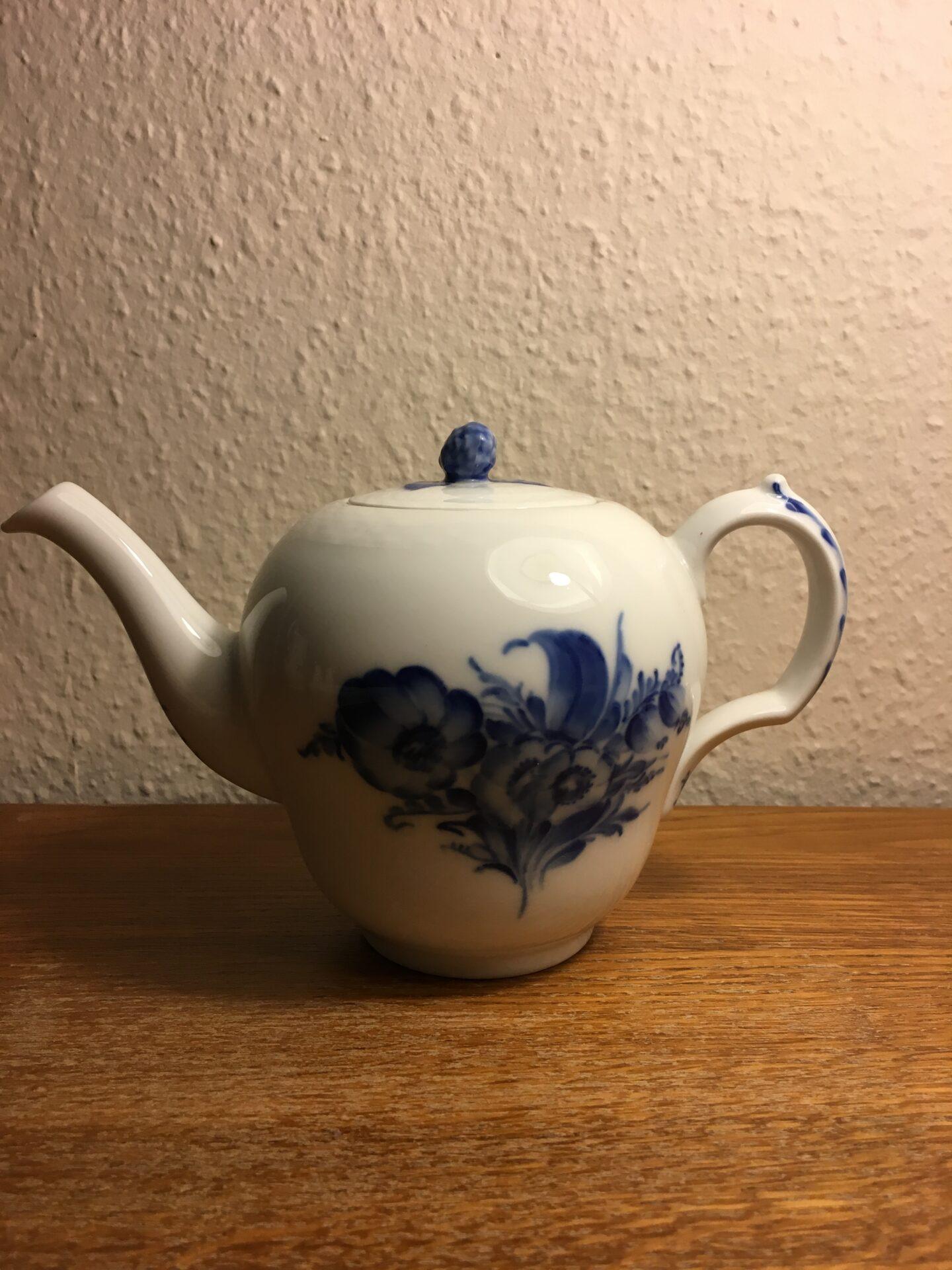 Blå Blomst flet, lille tekande nr. 8122, 2. sortering (fejlfri), pris 400 kr