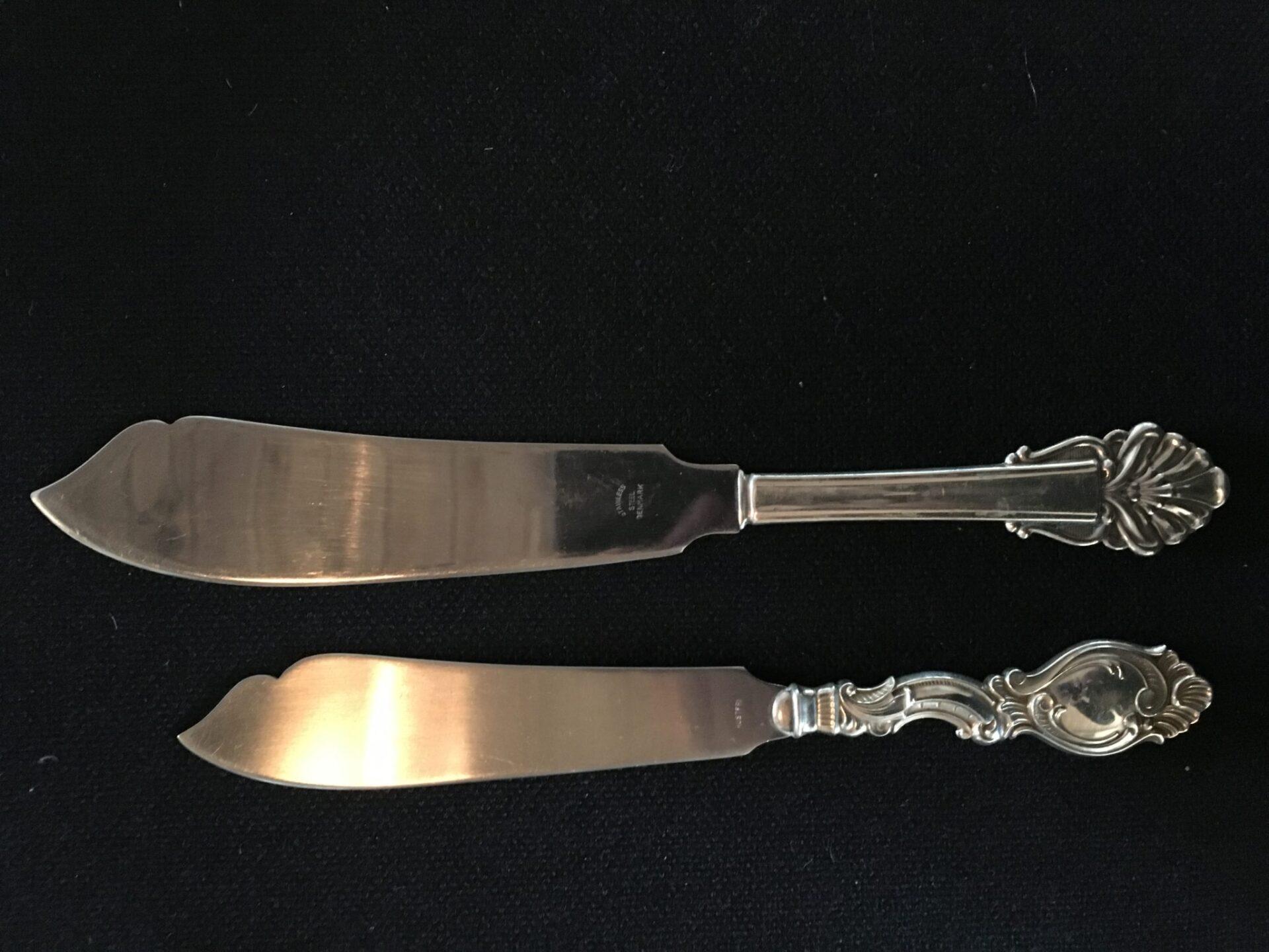 lagkageknive, 3-tårnet sølv, pr. stk 250 kr