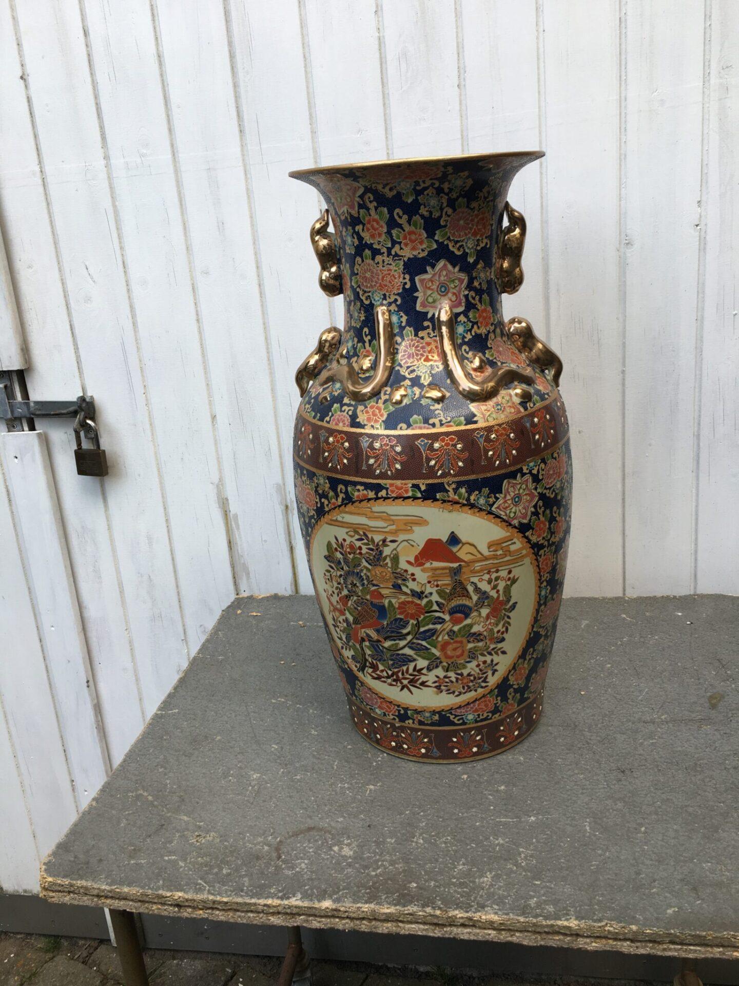 Kinesisk kolossal vase, h=63 cm, pris 500 kr