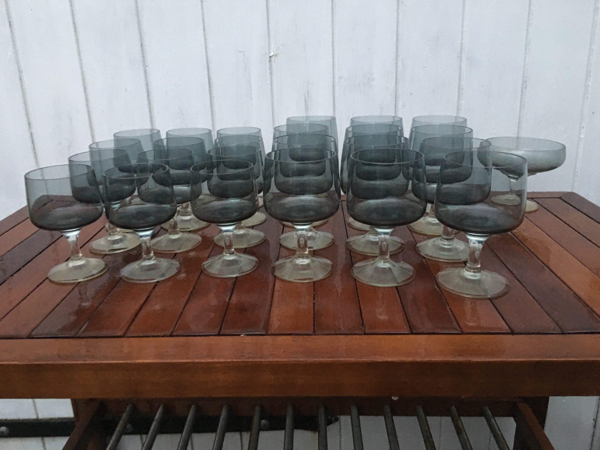 Holmegaard Atlantic, rødvin og hvidvin pr. stk 50 kr, fineste stand