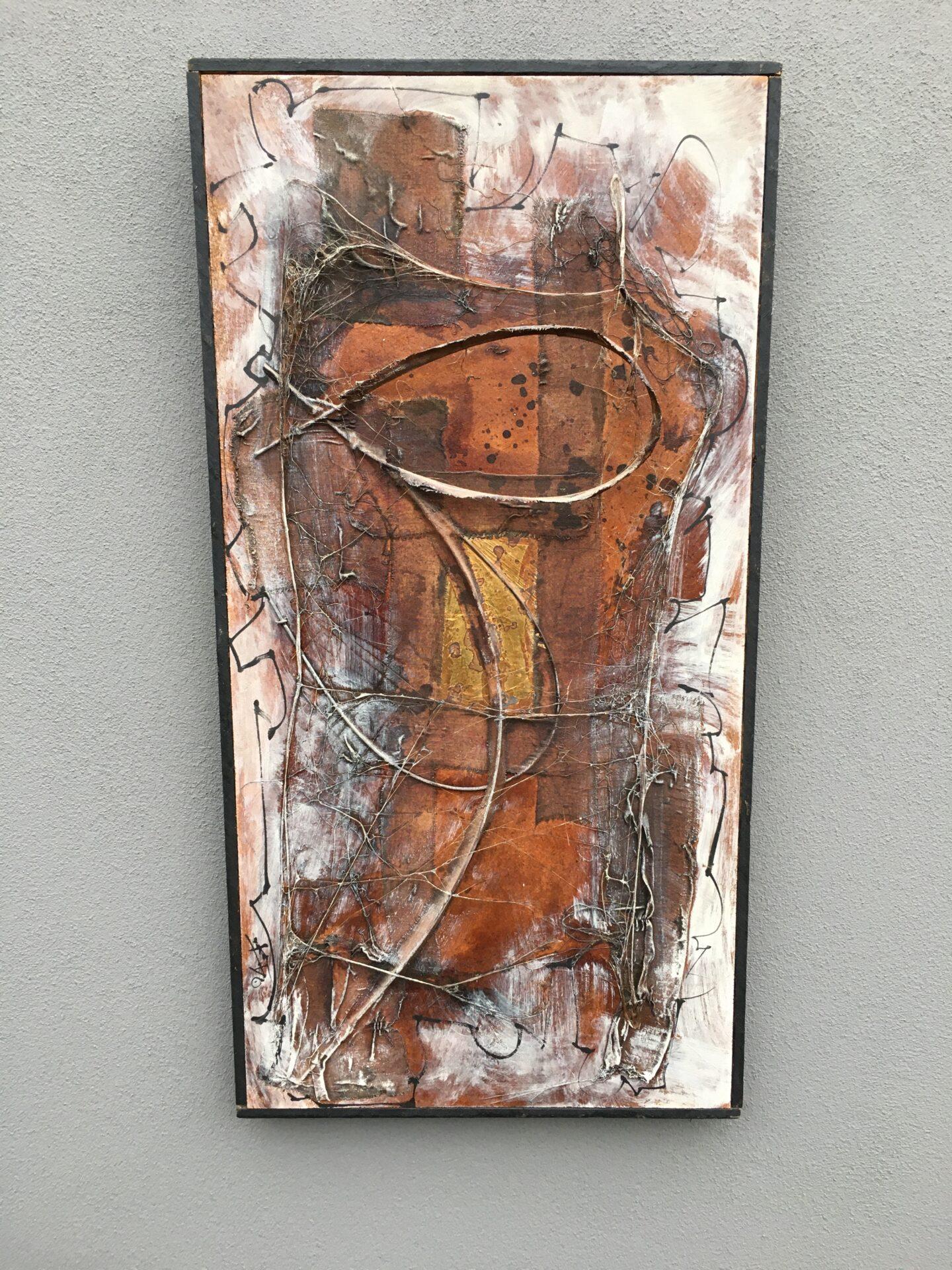 Figurkomposition af Birger Th. Hansen (olie,metal,stof) på plade, 42x82 cm, pris 100 kr