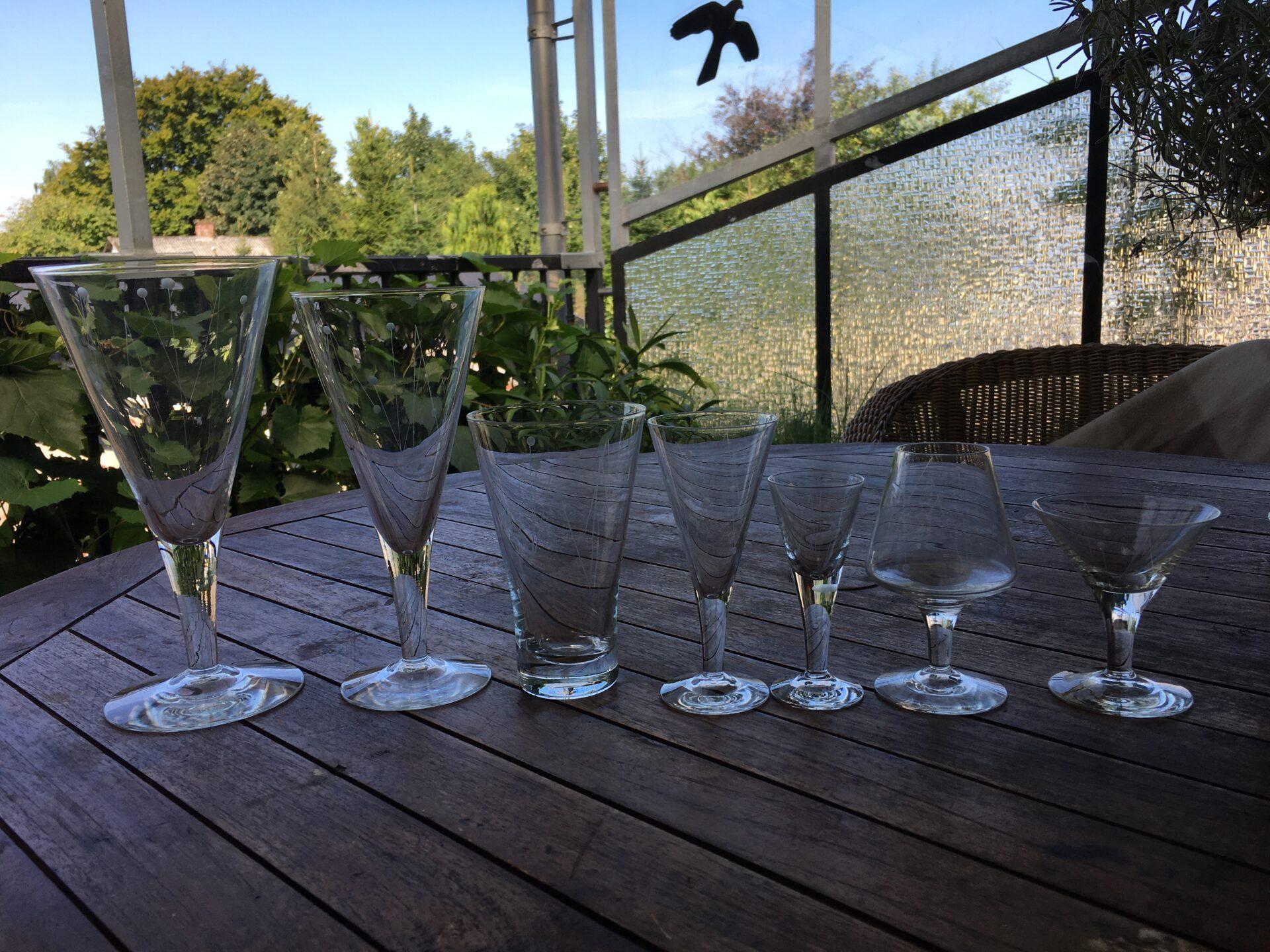 Claushom glas, Pokaler/rødvin/ølglas, h=20,5/18,7/13,0 cm, pris 100/50/50 kr. Øvrige pr stk 25 kr