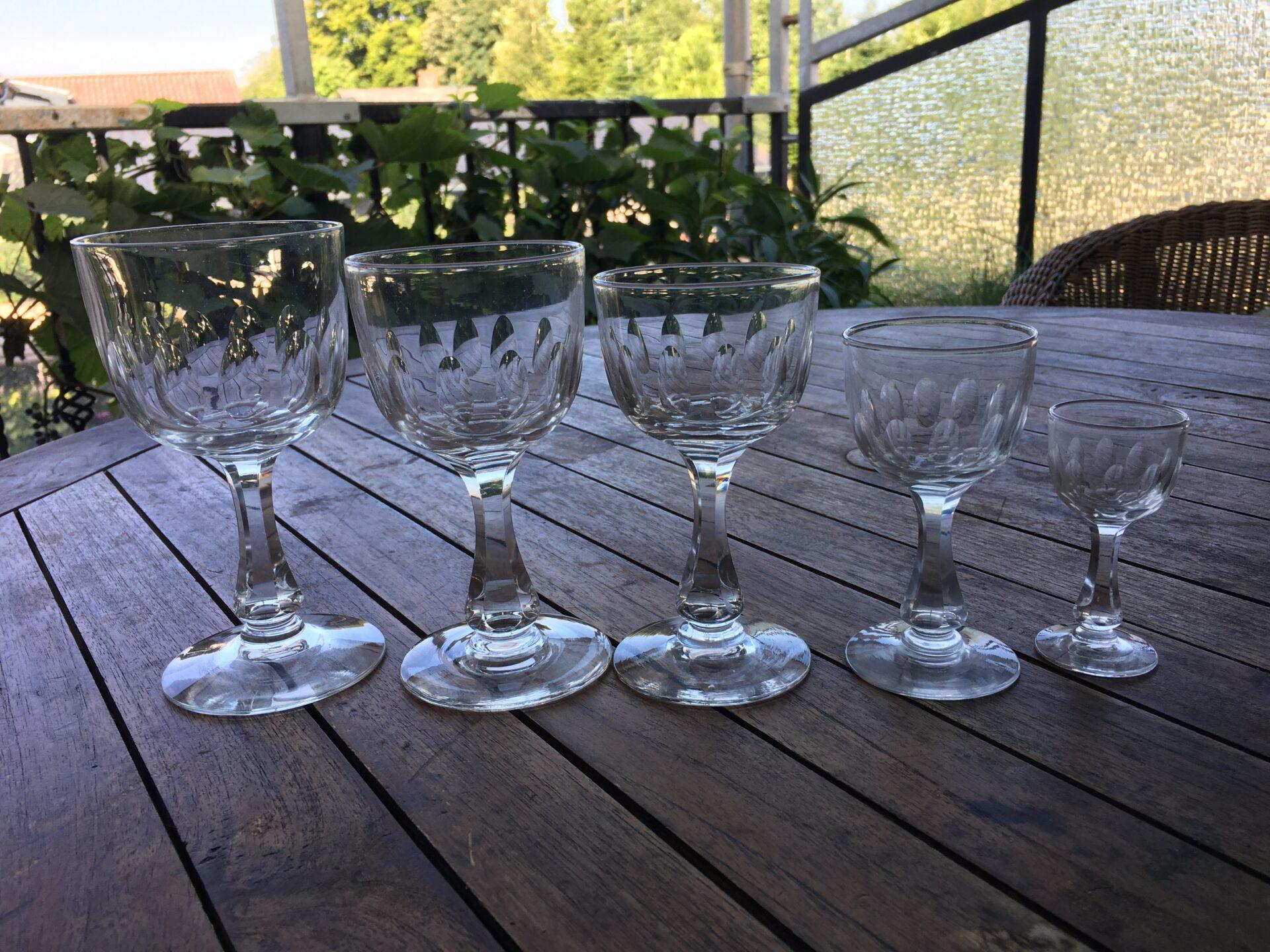 Anikke Derby glas, h=15,0/14,0/13,5/11,0/8,5 cm, pris 125/100/100/30/30 kr