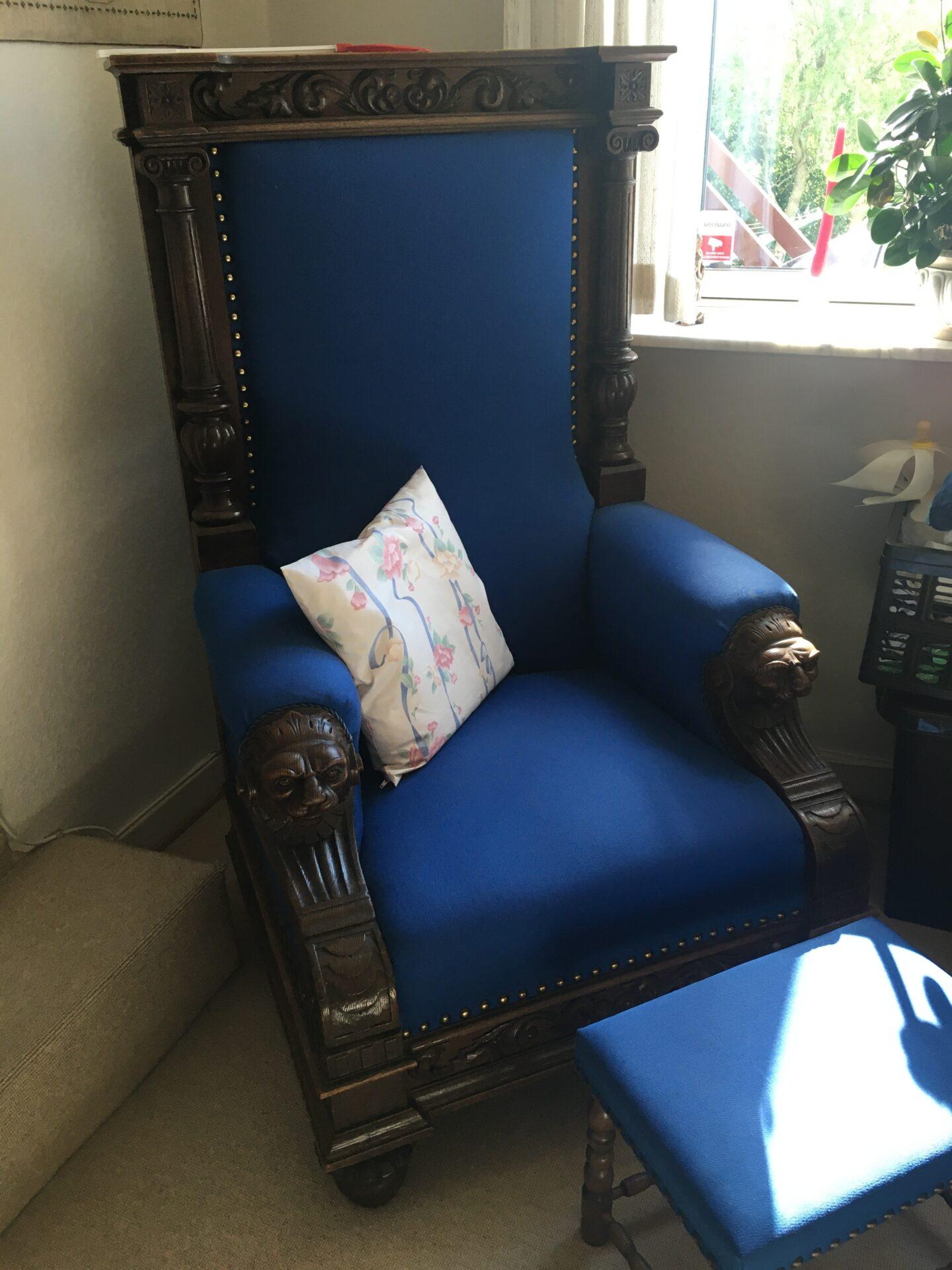 Renæssance herreværelse: Sofa + 2 lænestoel + bord + reol + mm