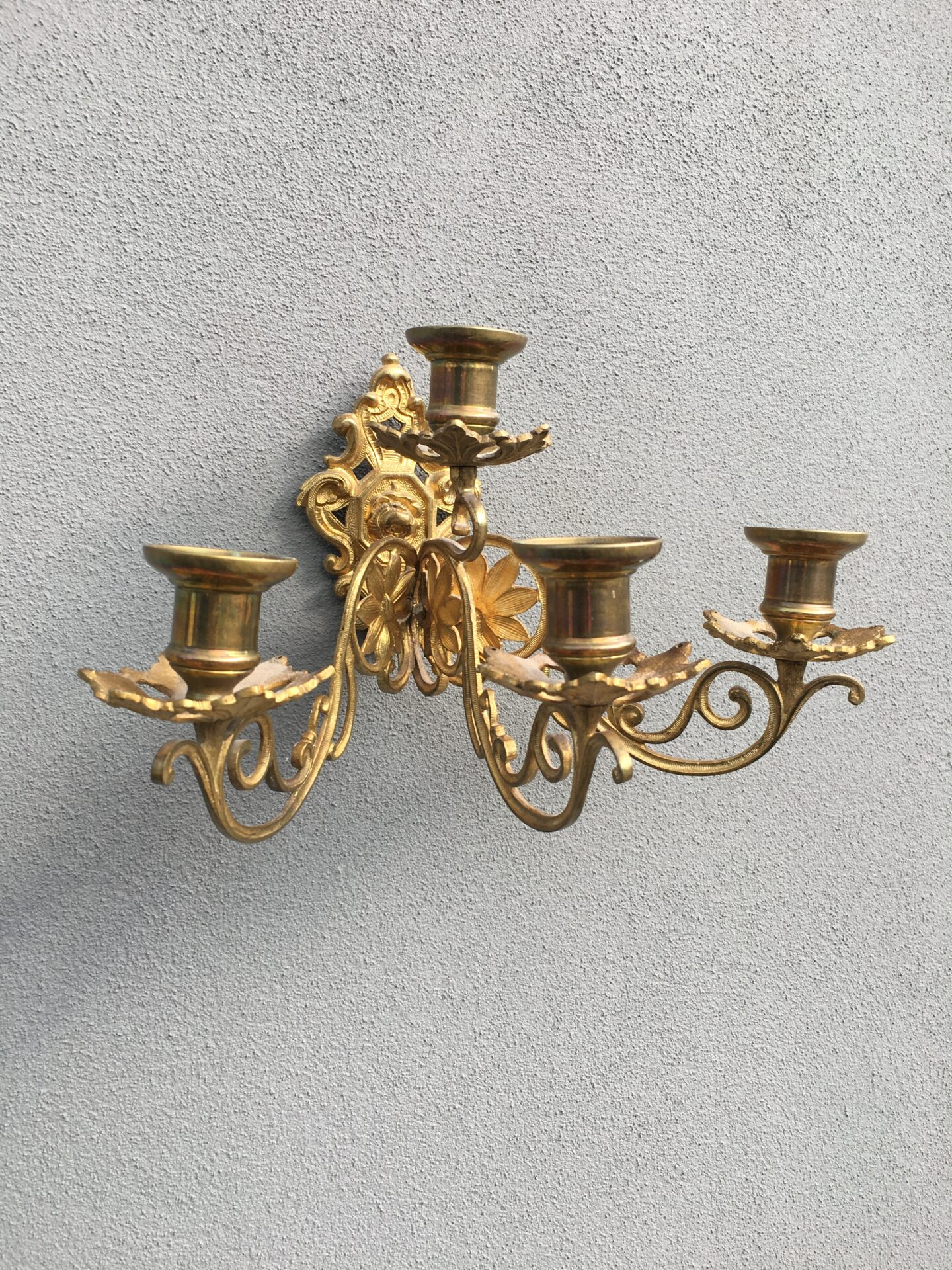 Antik lueforgyldt kandelaber til vægophæng, pris 500kr