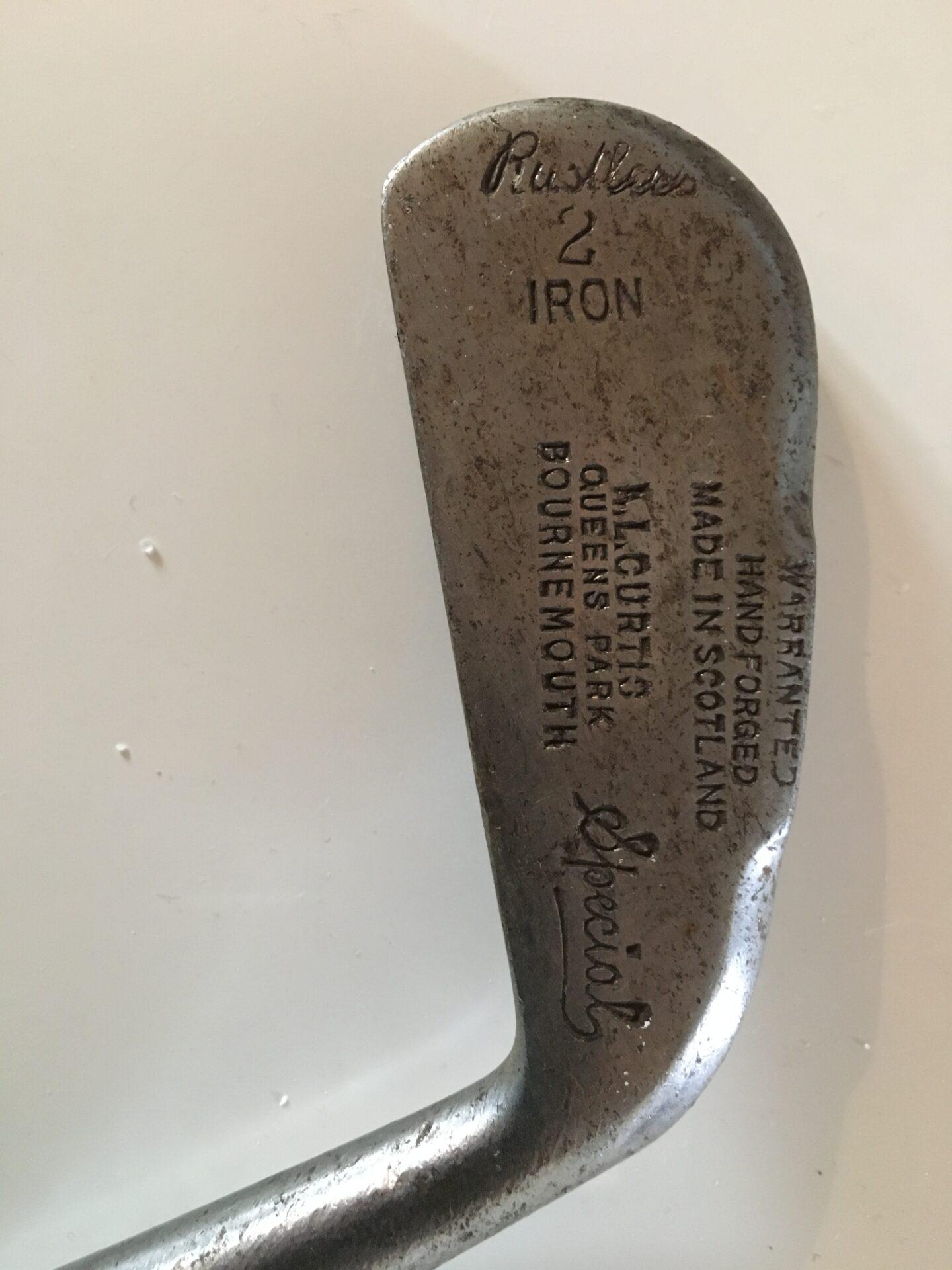 Antikt golfjeren med originalt skæfte af træ, pris 300kr
