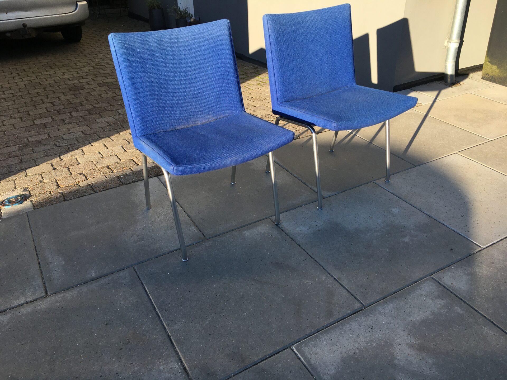 Wegner, lufthavnsstole betrukket med blå Hallingdal, pris pr stk. 1000kr