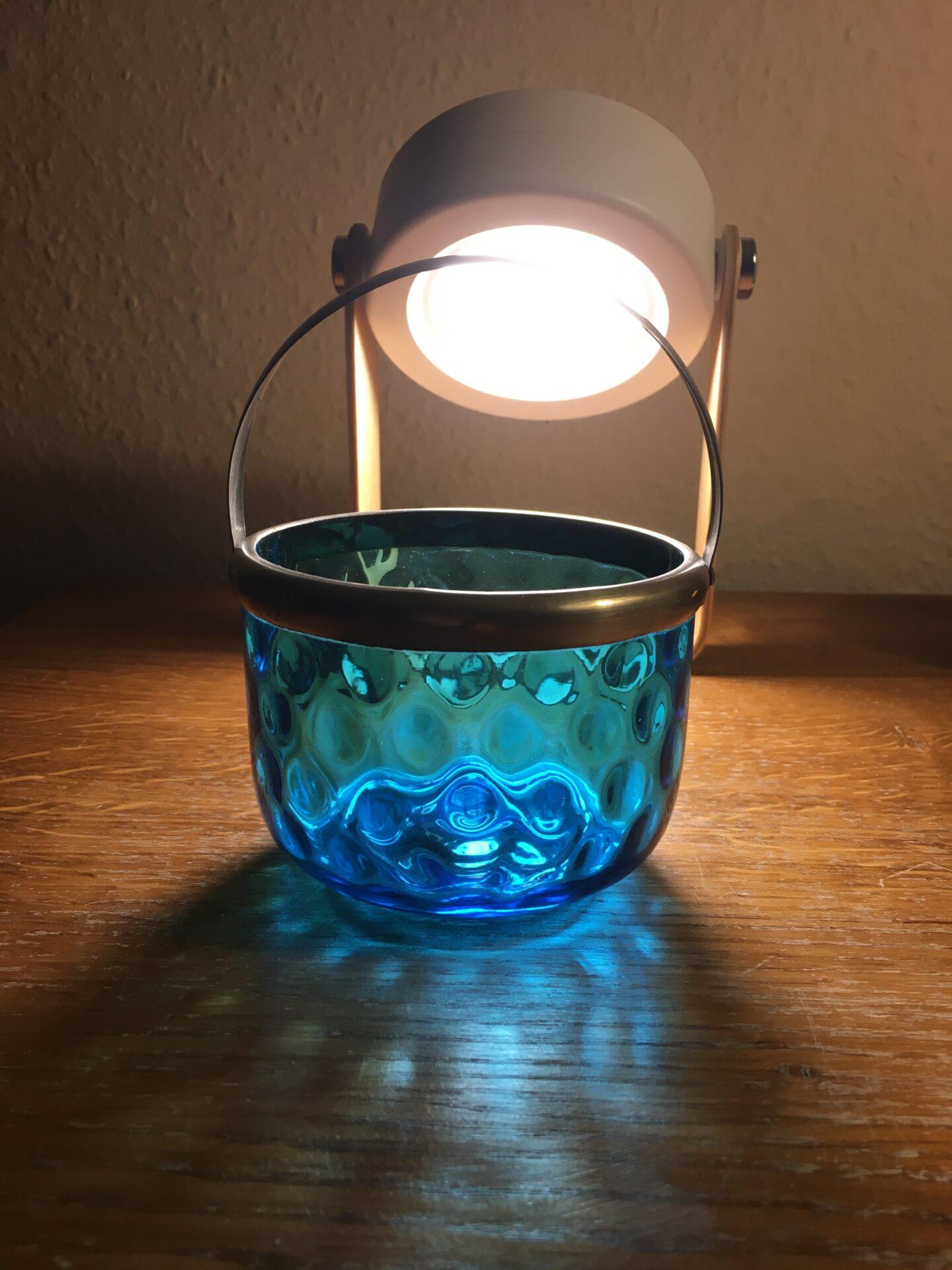 Antik sukkerskål ag fugleøjeglas med hank af nikkel (antageligt Fyens Glasværk). pris 400kr