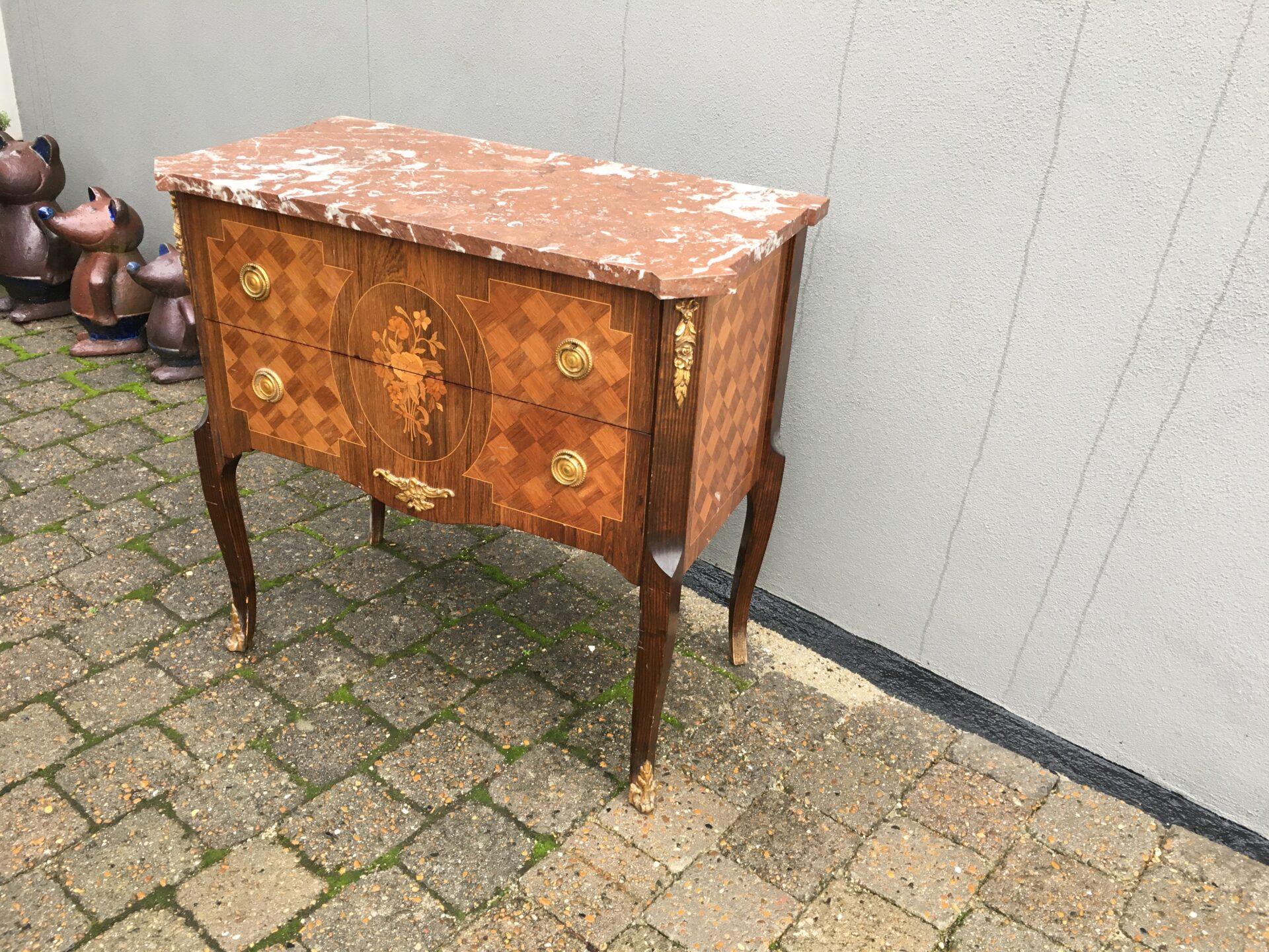 Mahogni kommode med intarsia of marmorplade, velholdt, pris 800kr