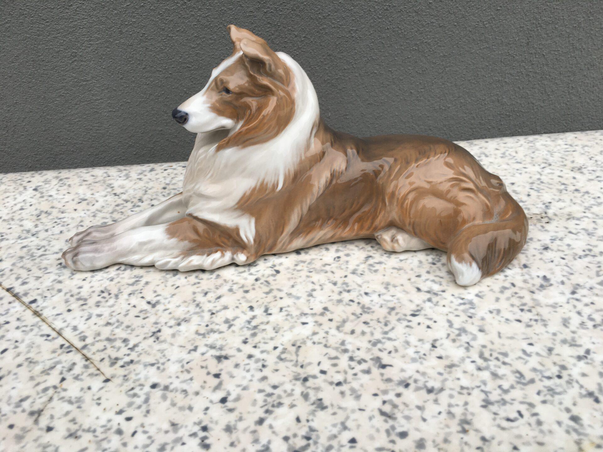 Collie/ Lassie, Kongelig Porcelæn, nr, 1701, 1. sortering, fejlfri, pris 1000kr