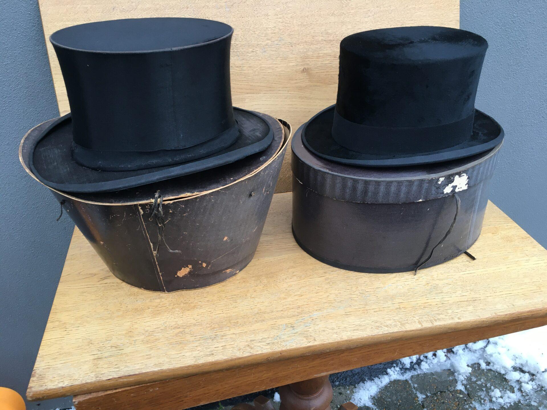 Gamle høje hatte, velholdte og i original æske, pr stk 300kr