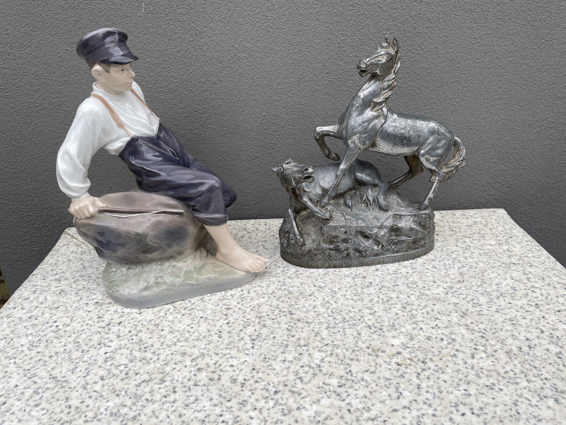 Kongelig figur, Vogterdreng, nr. 1659, h=31 cm. Pris 800kr